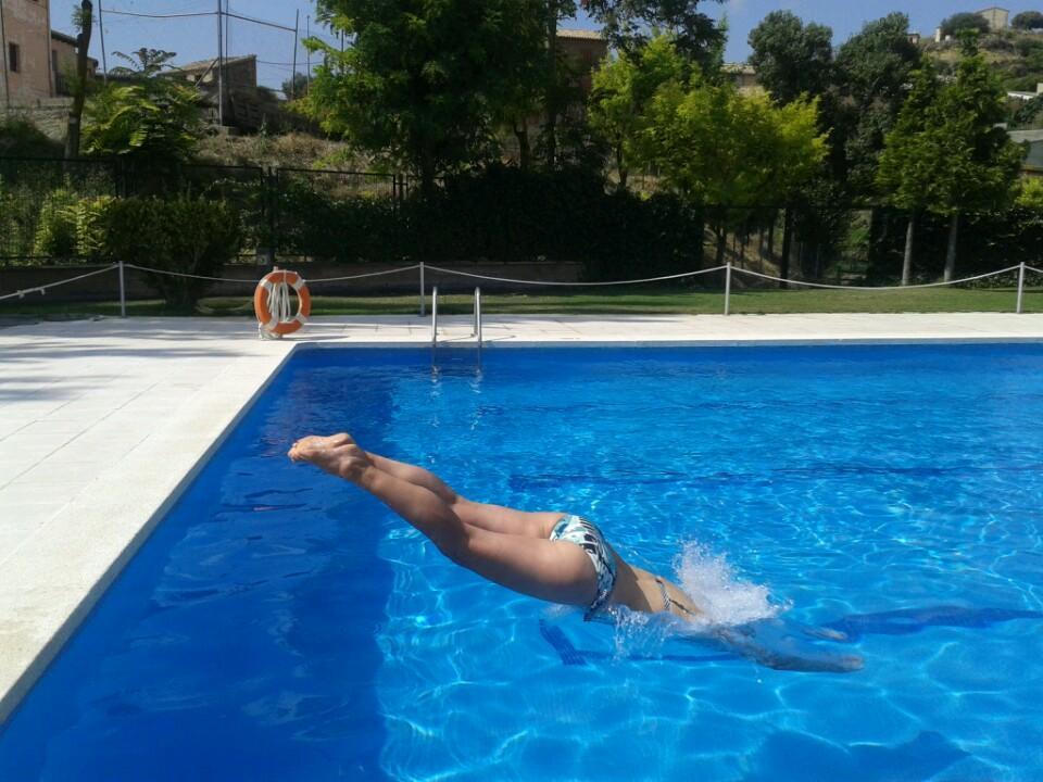 antillon_echarme-en-la-piscina