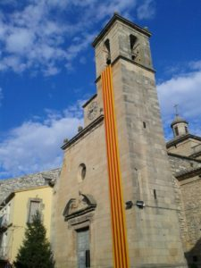 taladell_iglesia-con-bandera-catalana